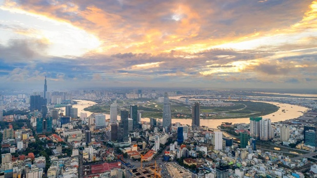 Navigating Asia's Business Landscape: How Vietnam Could Complement Your China Op...